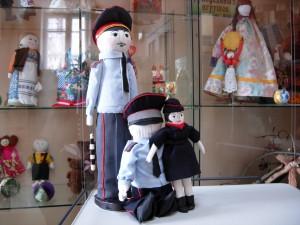 Галина Усова куклы дядя степа тряпичные библиотека выставка