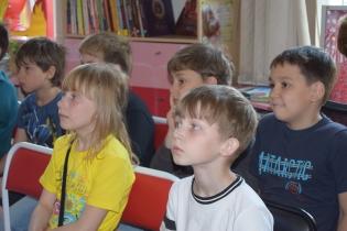 Иркутская областная детская библиотека имени Марка Сергеева дети школьники мероприятие Михаил Яснов