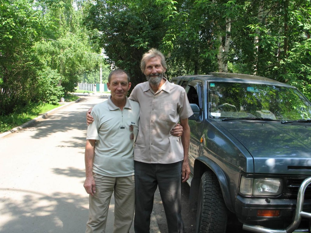 Борис Николаевич Вержуцкий с другом – иркутским бардом, альпинистом, получившим звание «Снежный барс», Глебом Владимировичем Агафоновым