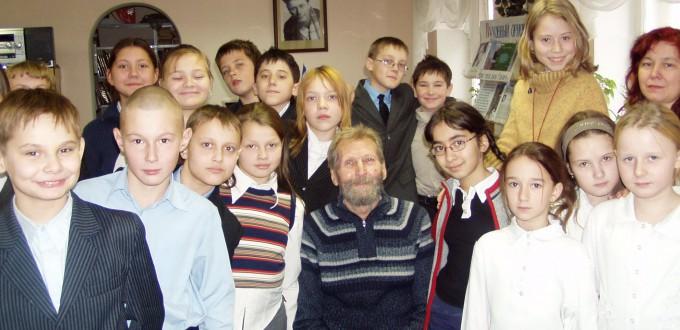 Борис Николаевич Вержуцкий в Иркутской областной детской библиотеке им. Марка Сергеева в 2007 году