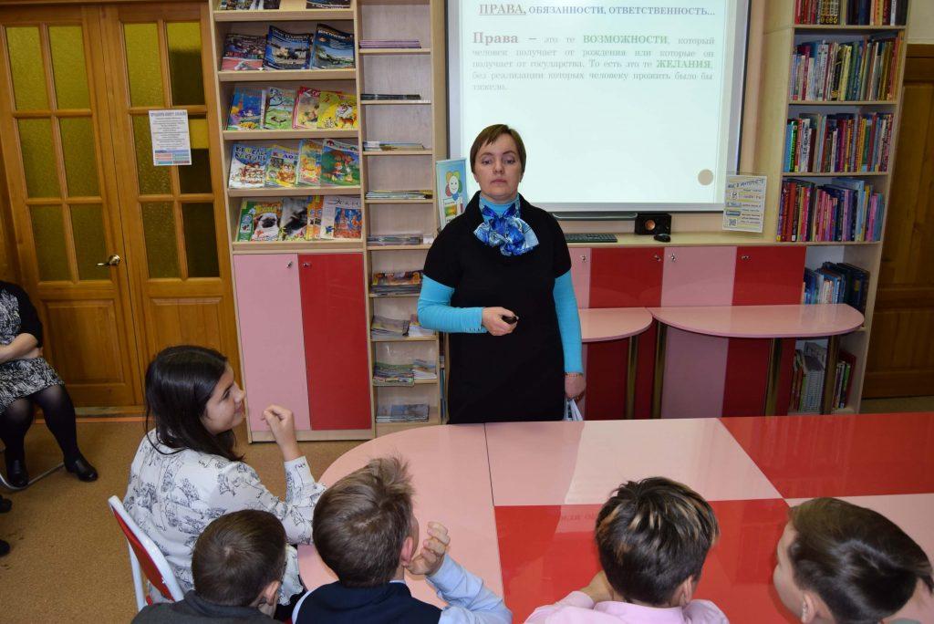 Иркутская областная детская библиотека имени Марка Сергеева акция «Твори добро от всей души»
