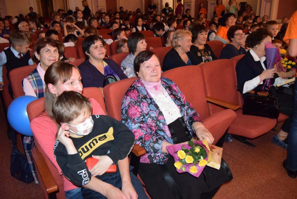 Зрители Зал Иркутская областная детская библиотека имени Марка Сергеева 60-летие библиотеки