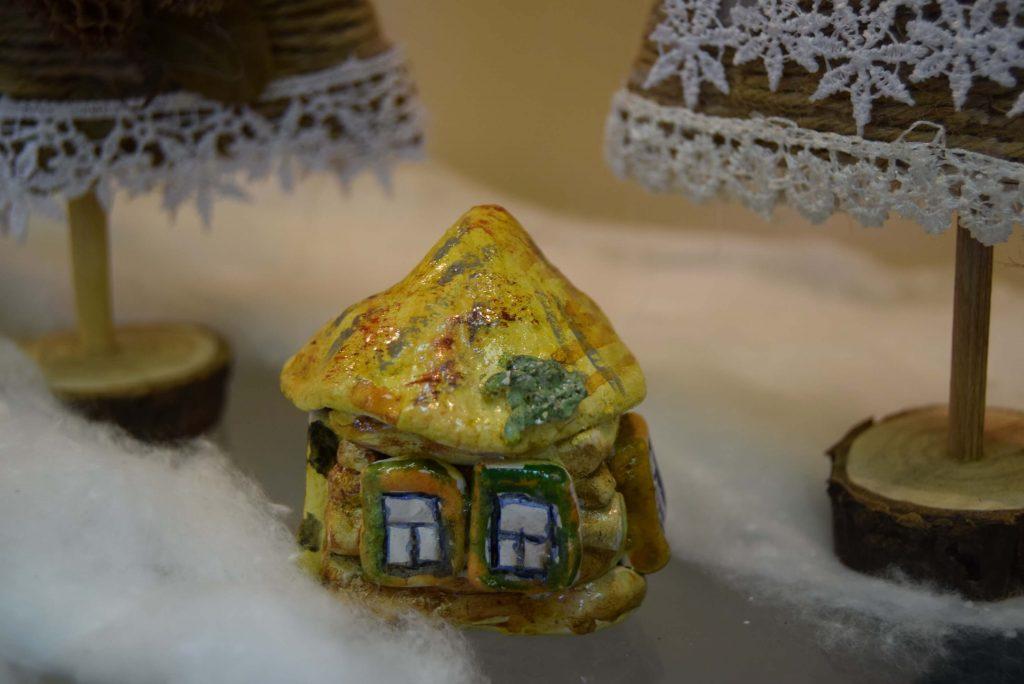 поделка из керамики домик