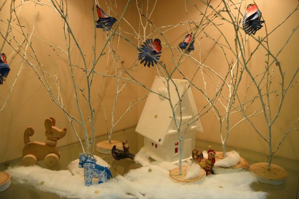 композиция Как яблоки на ветках снегири
