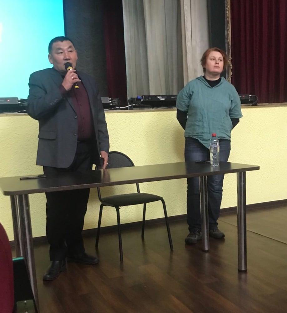 Мэр Р.В. Дульбеев и Е. Ю.Ходина